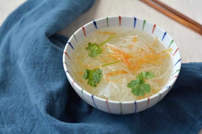 萝卜丝鱼干汤成品图
