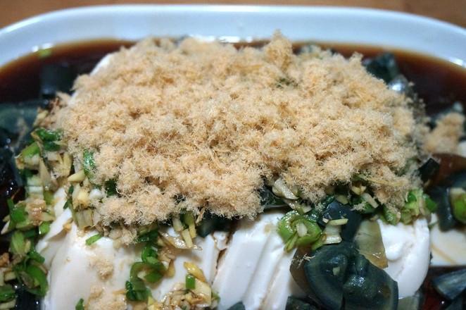肉松皮蛋豆腐怎么吃