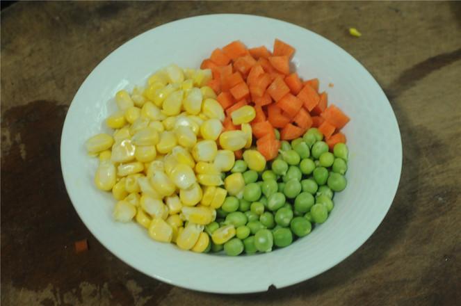 五彩咖喱炒饭的做法图解