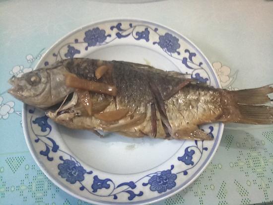 酸萝卜烧鲫鱼怎样做