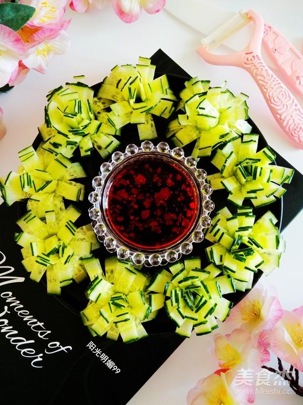 黄瓜花朵拼盘成品图