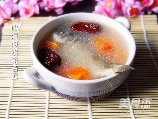 红枣鲫鱼木瓜汤成品图