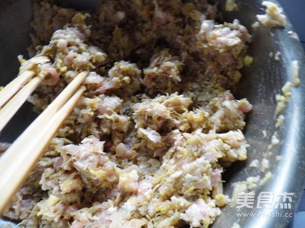 东北酸菜大饺子怎么吃