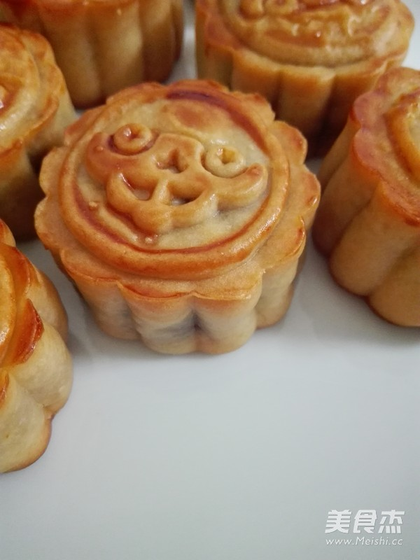 广式蛋黄莲蓉月饼怎样炖