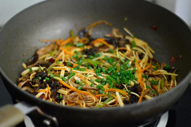 鱼香茭白肉丝怎样炒
