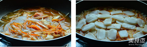 辣白菜炖年糕的简单做法