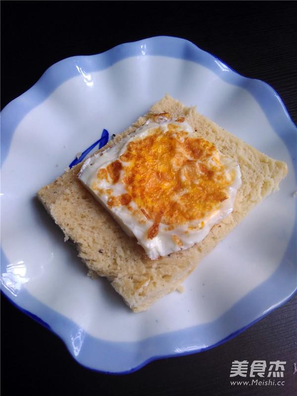 火腿鸡蛋三明治怎么做