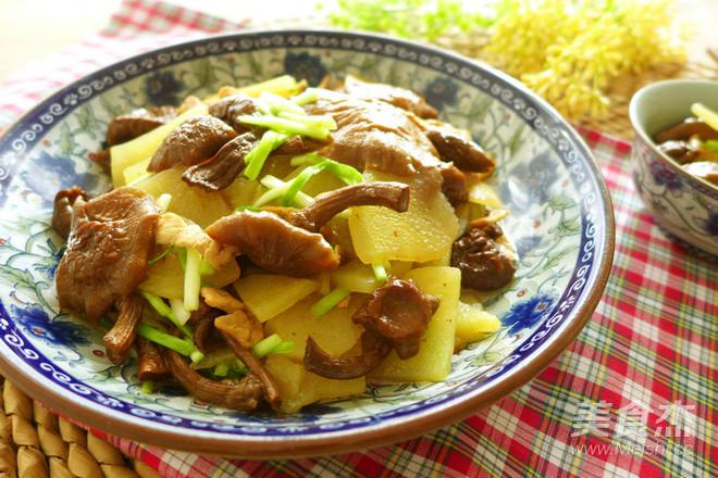 黄蘑土豆片成品图
