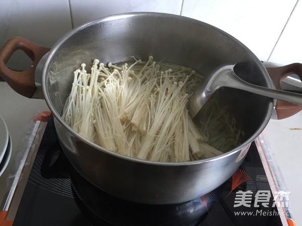 金针菇肥牛汤的简单做法