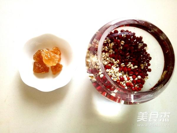 祛湿美容-红豆薏米粥的做法图解