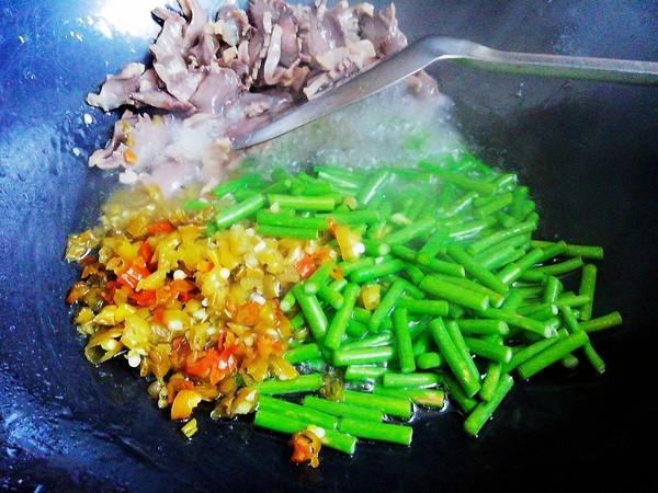 酸辣鸭胗#午餐#的简单做法