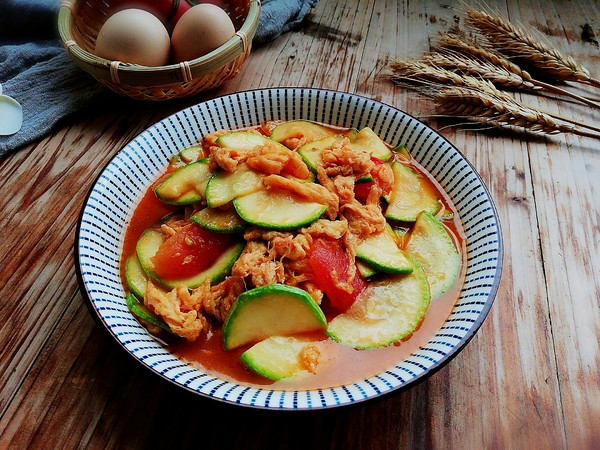 西葫芦番茄炒蛋成品图