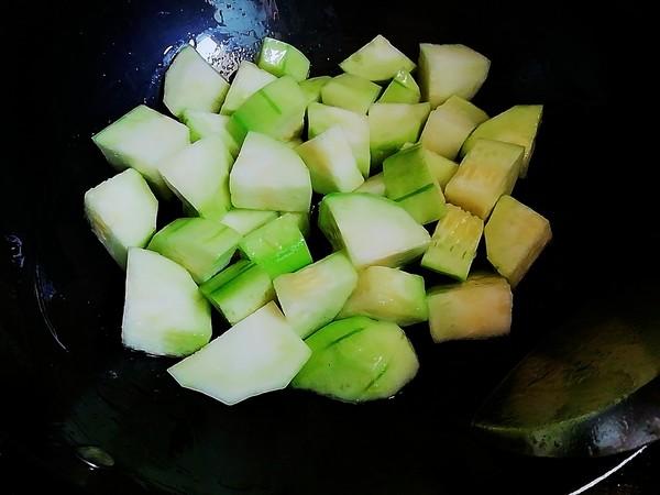 丝瓜鱼丸蛋汤的家常做法