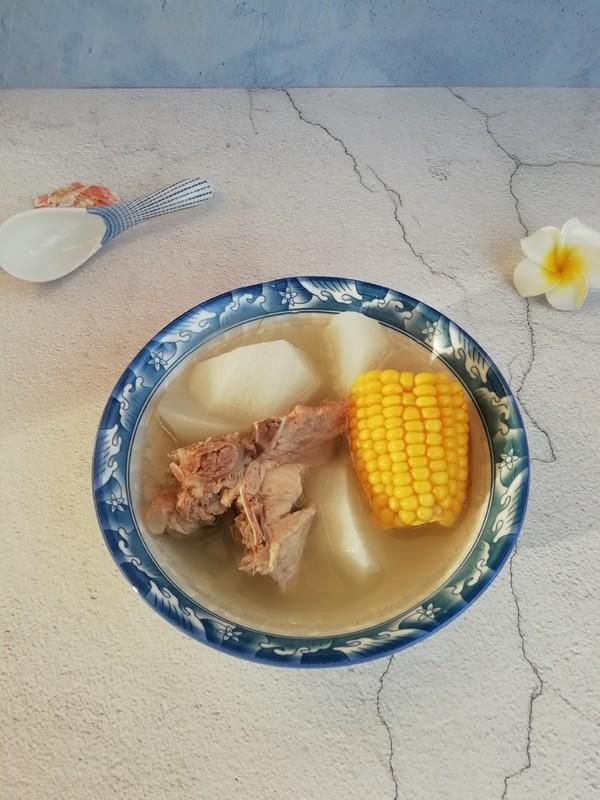白萝卜玉米骨头汤成品图
