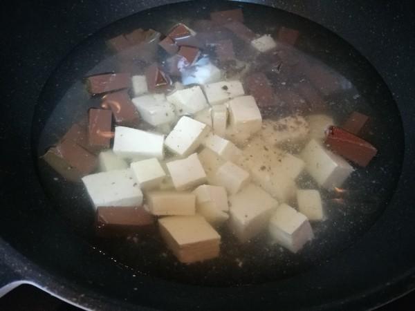 香辣鸭血豆腐的做法图解