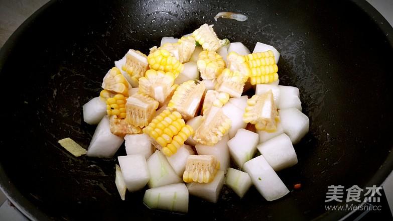 冬瓜烧肉丸玉米汤怎么煸