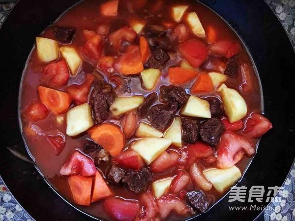西红柿土豆胡萝卜炖牛腩的简单做法