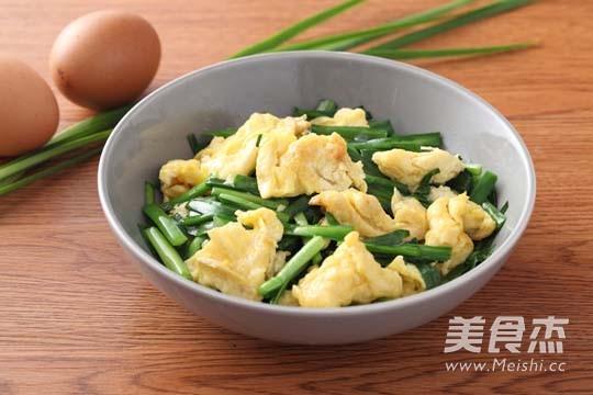 韭菜炒鸡蛋成品图