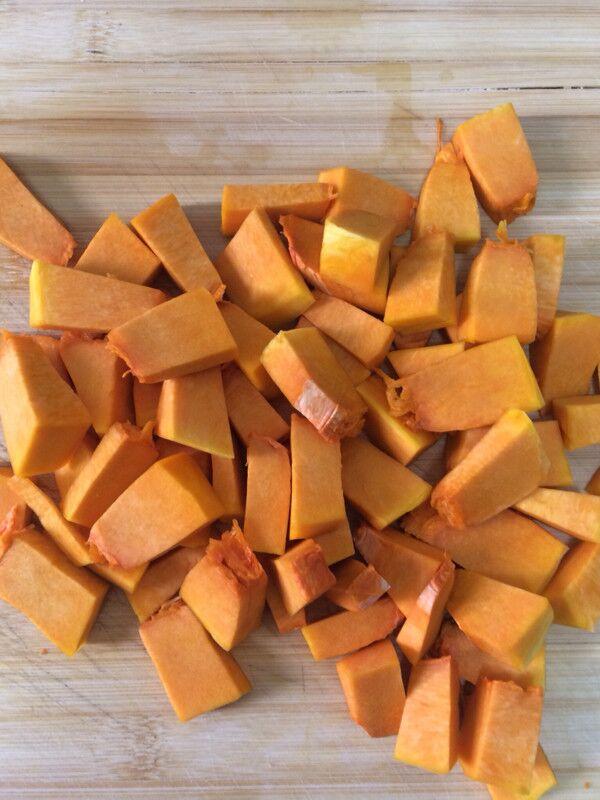 南瓜豆沙包的做法大全
