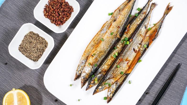 烤秋刀鱼成品图