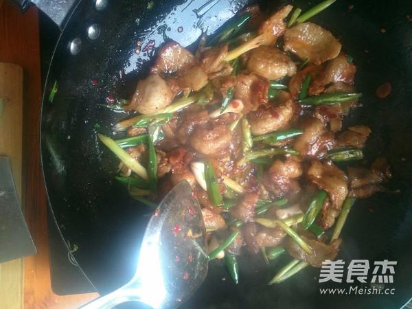 尖椒蒜苗五花肉怎么煮