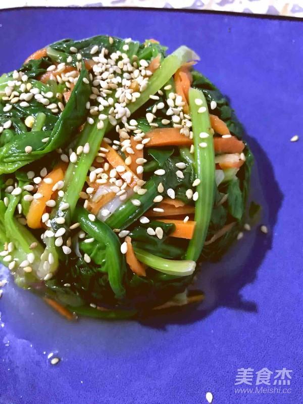 凉拌香油菠菜成品图
