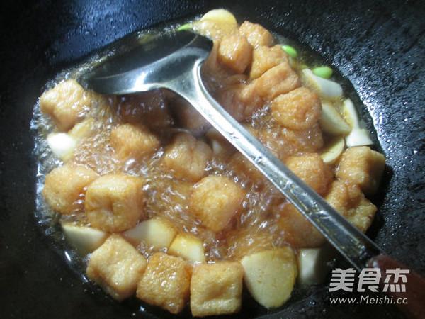 毛豆茭白煮小油豆腐怎么煮