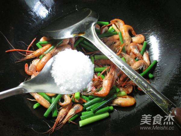 蒜薹炒河虾怎么炒