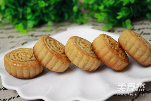 广式莲蓉蛋黄月饼成品图