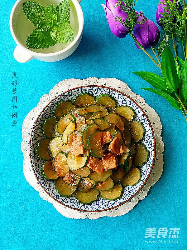 黄瓜炒肉成品图