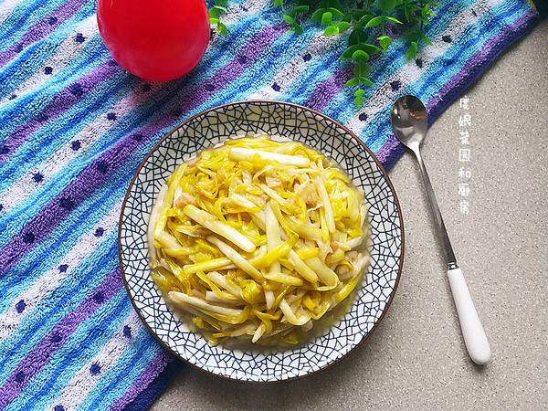 清炒蒜黄成品图