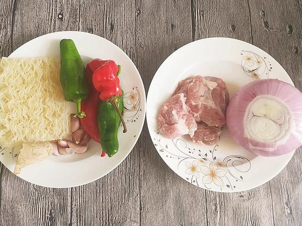洋葱牛肉炒米粉的做法图解