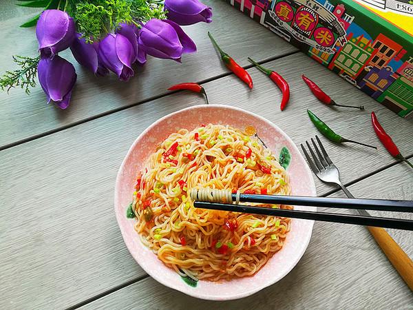 鮮椒貢菜拌米粉成品圖