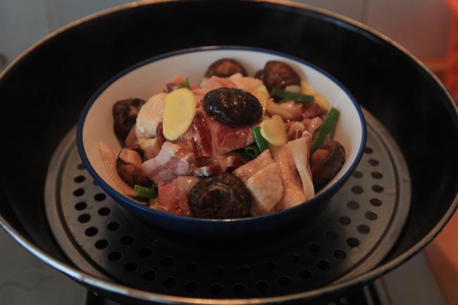 花菇火腿蒸鸡的简单做法
