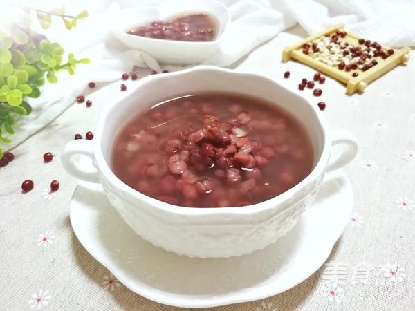 祛湿排毒的薏米红豆粥成品图