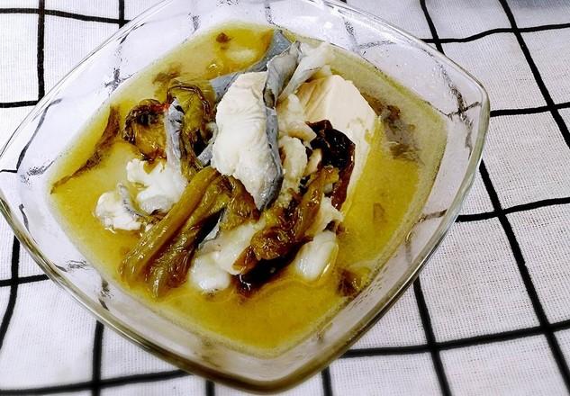 《砂锅酸菜鱼》成品图