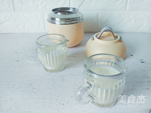 焖烧罐自制酸奶成品图