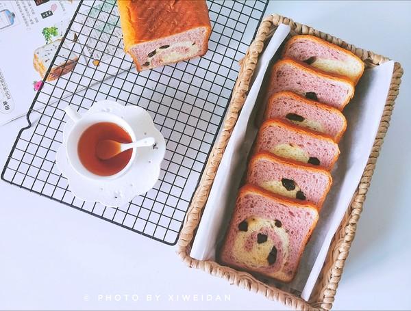 紫薯黑加仑吐司成品图