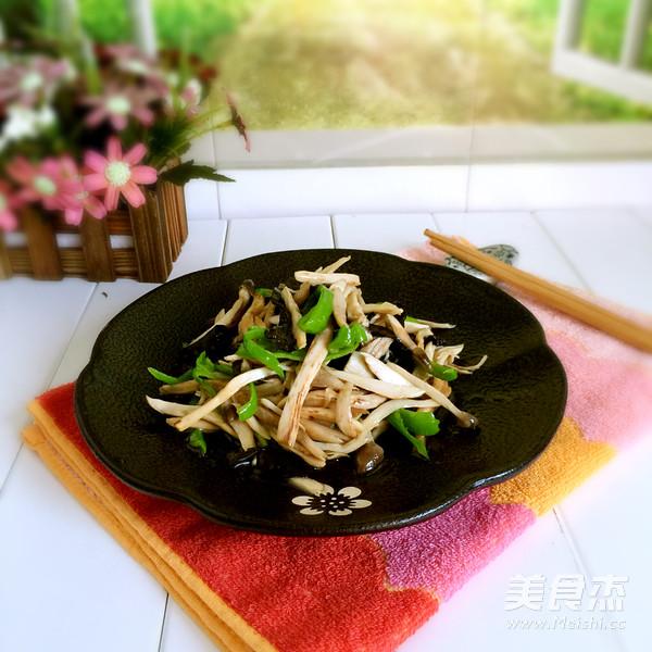 炒鸡枞菌成品图