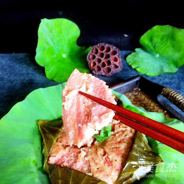 荷叶粉蒸肉成品图