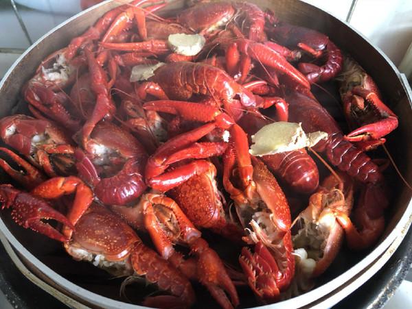 糟卤小龙虾怎么吃