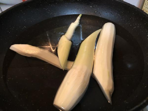 毛豆籽炒茭白的家常做法