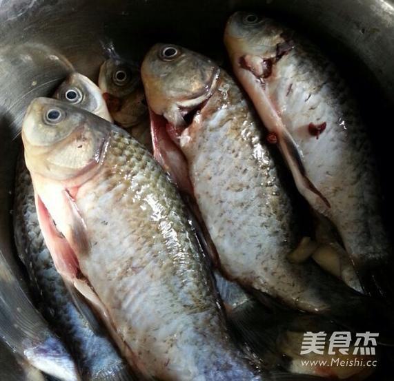 酸菜鲫鱼的做法大全