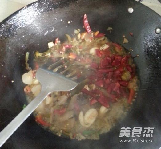 酸菜鲫鱼的家常做法