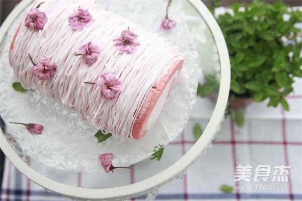 樱花蛋糕卷成品图