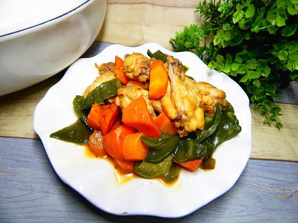 菜椒烧鸡腿成品图