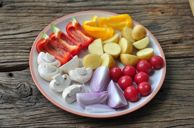 黑椒鸡翅烤蔬菜的家常做法