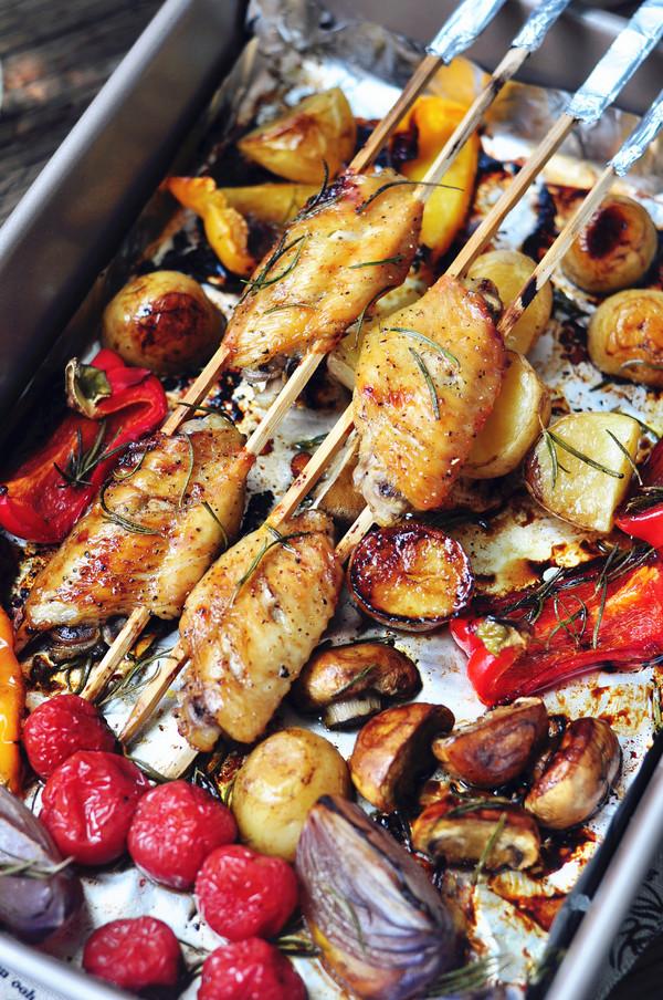 黑椒鸡翅烤蔬菜成品图