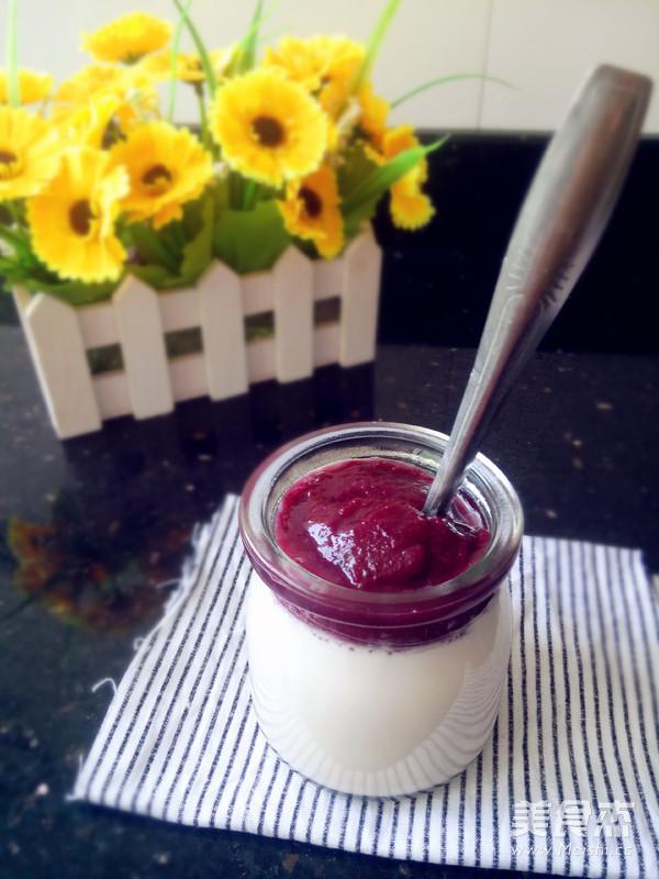 常温制作果酱酸奶成品图