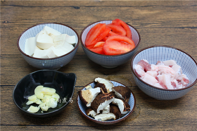 五花肉豆腐白菜煲的家常做法